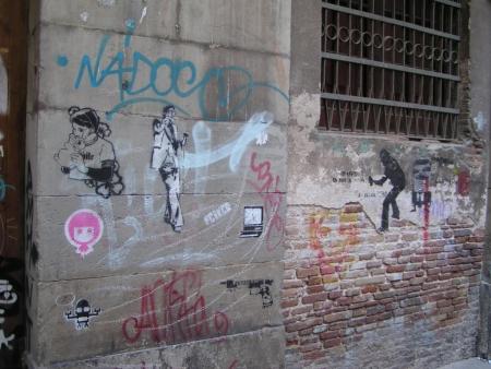 varis stencil barcelona